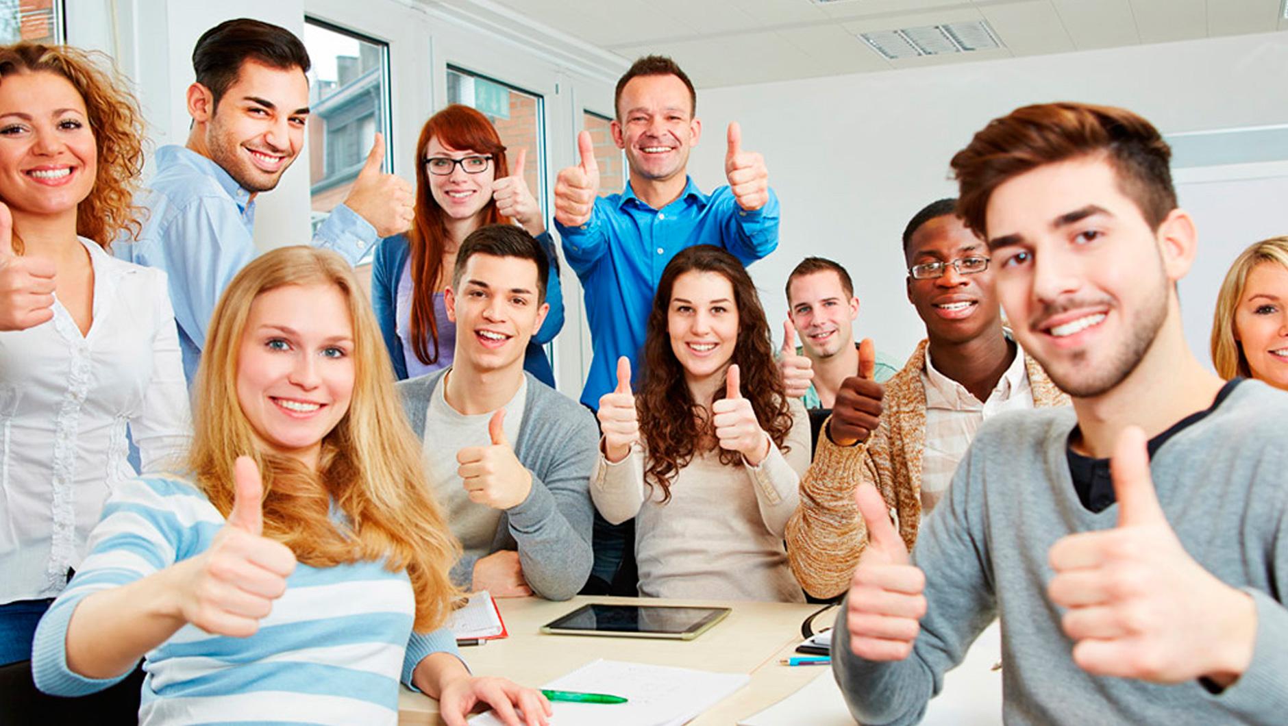Студенческая групповушка в бильярдной после экзамена онлайн фото 546-532