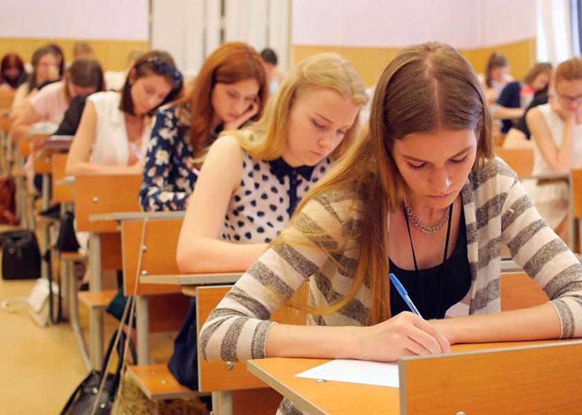 Русские студентки сдают сессию — 1